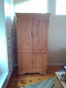 WARDROBES / ENTERTAINMENT UNITS