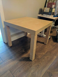 Table a café (1.5'x1.5'x1,5') - Parfaite condition