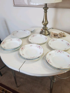 Dinner plate set. Polish china. Mint. Free delivery.
