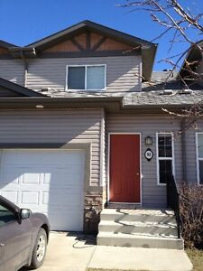 PET FRIENDLY! 3BDRM HOME IN FORT SASK! AVAIL JANUARY 1