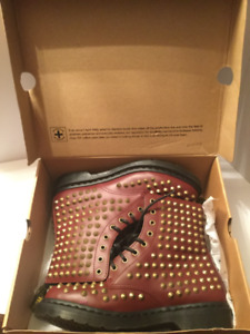 Doc Martens Ladies Brown Boots Brand New with Tags size 10