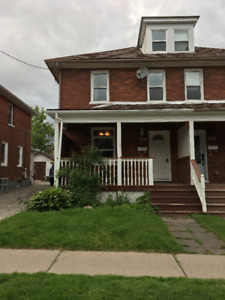 Lovely Renovated 3 Bedroom w loft space - Whole House