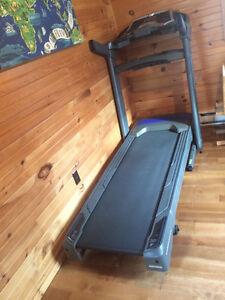 Horizon CT9.3 Treadmill (350lbs Weight Capacity)