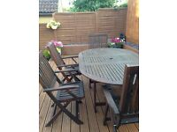 Garden table & 6 chairs