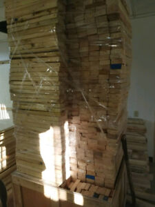 Lot of 2x4x21 inches lumber.