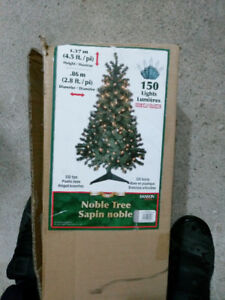 1.37m/4.5ft tall Christmas tree with 150 LED Lights