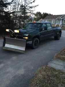 2006 Chevrolet Silverado 3500HD 4x4 with Fisher V-Plow