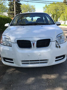 2009 Pontiac Wave Sedan **Perfect for students**