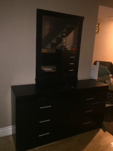 GOOD CONDITION BEDROOM SET FOR SALE! GREAT DEAL