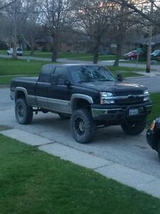 "2003 chevy silverado lifted 37""4.8l"