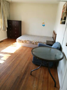 Big room for rent in Regina - Close to University of Regina