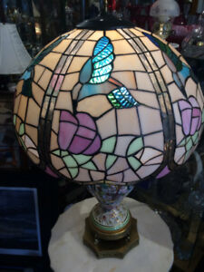 Humming Bird Tiffany Lamp with Marble Table