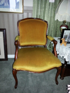 Antique  Gorgeous Sturdy  Living Room Arm  Chair