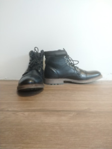 NEW $150 Men Black ankle boot Size 10