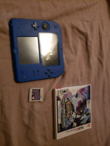 nintendo 2ds barely used with Mario kart and Pokemon game