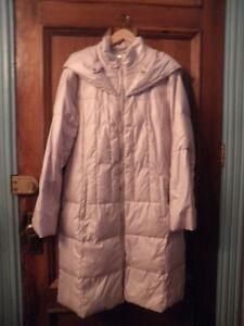Manteau en duvet de couleur rose Novelti de grandeur XL.