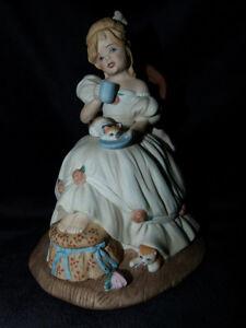 """Figurine """"Taking Tea"""""""