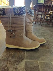 Winter Footwear - Ladies Winter Boots Kitchener / Waterloo Kitchener Area image 1