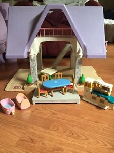 Vintage Little Tikes Dollhouse