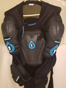 661 body armour / pressure suit XL
