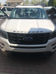 2017 Ford Explorer sport  with DVD **PRICE LOWERED**