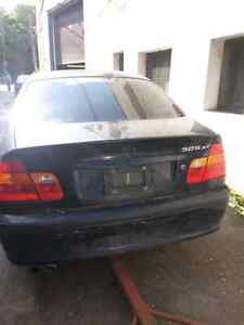 BMW  325 XI 2002 for parts. West Island Greater Montréal image 2