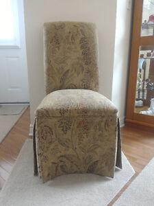 Accent Parson's Chair (Moving and have to downsize)
