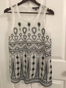 A PEA IN THE POD MATERNITY- WHITE EMBELLISHED SHEER TOP (SIZE M)