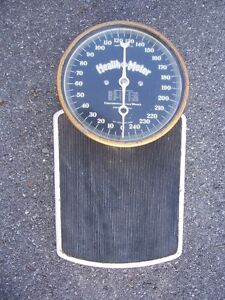 Antique set of doctors office, bathroom scales Kingston Kingston Area image 2