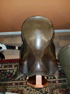 English Saddle 17""