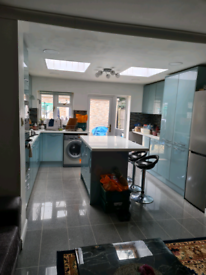 2 spacious furnished rooms available