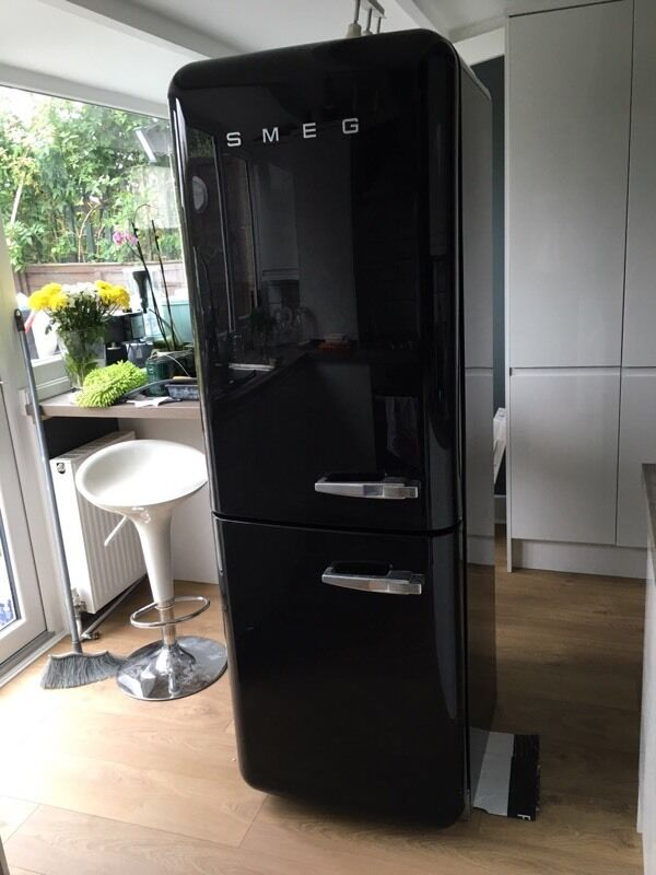 smeg fab32 retro fridge freezer gloss black in wimbledon london gumtree. Black Bedroom Furniture Sets. Home Design Ideas