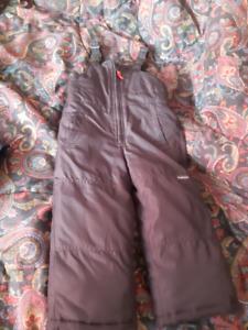 Oshkosh snowpants size 3T
