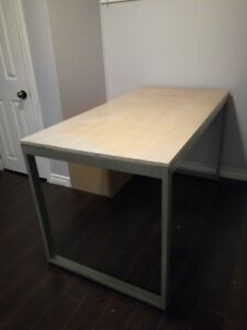 Table/desk for sale