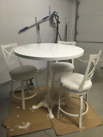 "40"" Round Bar Height Table with Three 3 Trica Swivel Bar Stools"