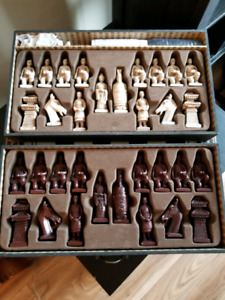 Selling a Chinese Chess?checkers Set