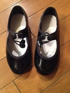 Toddler child's size 8.5 tap shoes