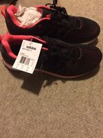BRAND NEW Adidas Feather size 8.5