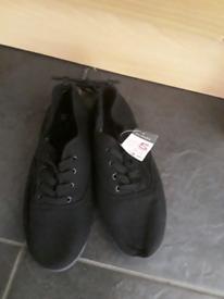 Ladies shoes size 5 black