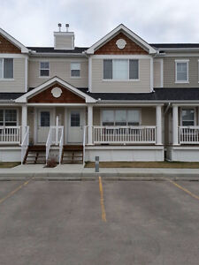 For Rent: Coventry Hills 3 Bedroom Townhouse for MAY 1