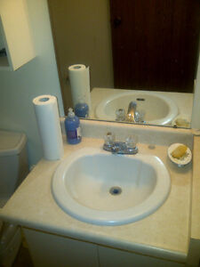 $980+ Utilities (Hydro) 55 Green Valley Drive, 1BR-820 Sq.Ft Kitchener / Waterloo Kitchener Area image 6