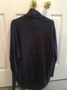 Wilfred Sweater from Aritzia Size M Kitchener / Waterloo Kitchener Area image 2