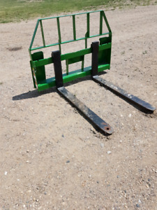 Pallet Forks to fit John Deere 2,3,4,5 series compact tractors