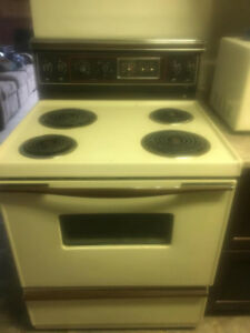 Classic almond stove, works perfect!  must goo!!