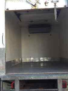 200 Ford F-550 Box Truck with Reefer Stratford Kitchener Area image 3