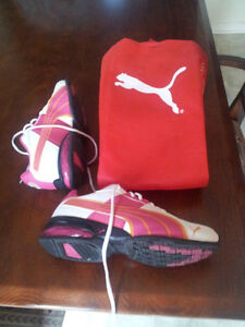 ▄▀▄▀▄▀▄▀▄▀▄▀▄ Puma fille taille 4 ▄▀▄▀▄▀▄▀▄▀▄▀▄ West Island Greater Montréal image 6