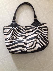 Zebra Purse (don't use email on side of page)