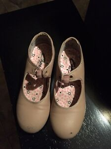 Girls capezio beige tap shoes size 10.5 and 11