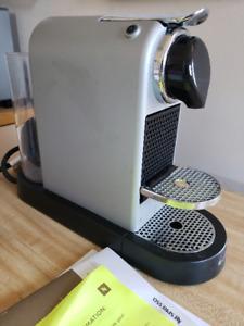 Nespresso cappuccino machine & aerator