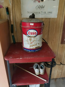 Old school oil can